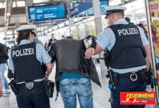 Aggressiver Flaschensammler-Bundespolizeiinspektion Kassel